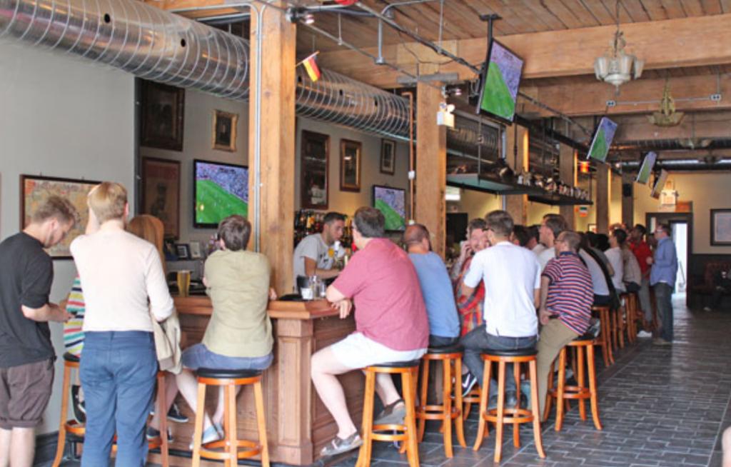 sports bars downtown toronto